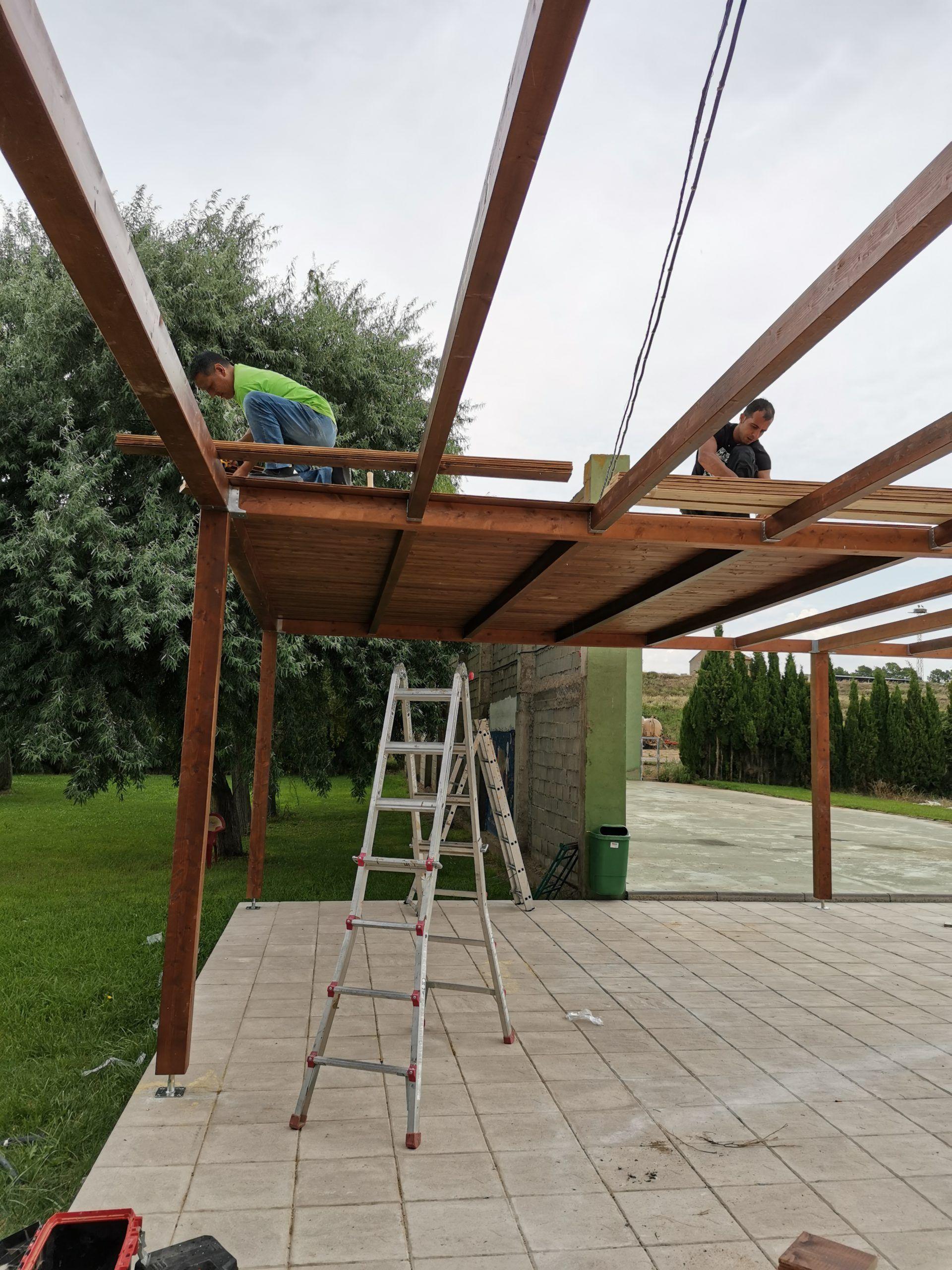 Artybel-tarima-techo-porche-Salillas.