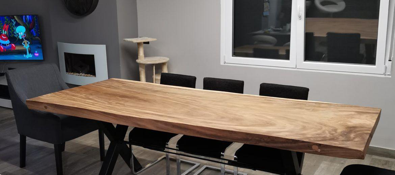Artybel-mesa-maciza-una-pieza-madera-Suar-pata-metalica.