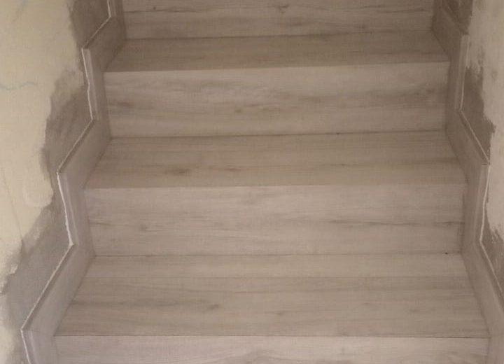 Artybel-forrado-escalera-con-suelo-laminado-1